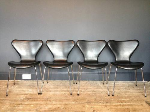 Four Arne Jacobsen Series 7 chairs in leather