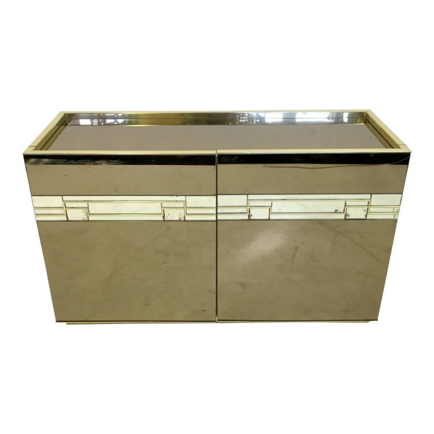 1970s Italian mirrored bar cabinet with brass trim