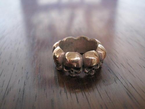 Multi skull ring by El Rana