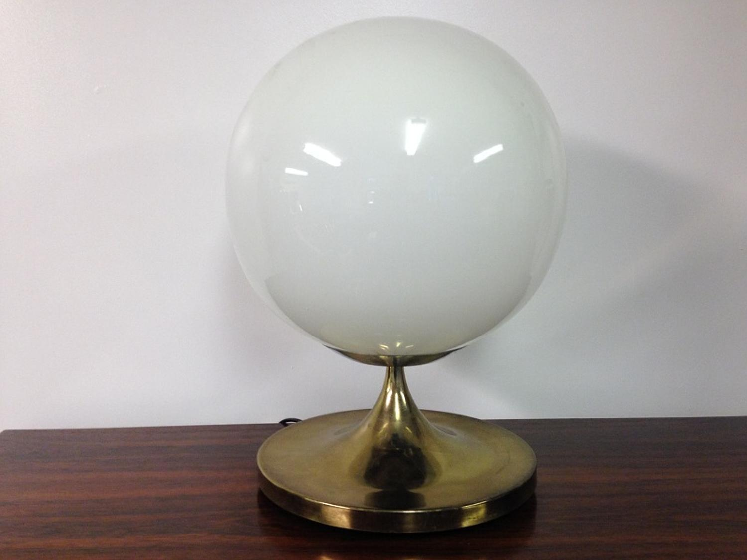 Gilt metal and opaline glass table lamp