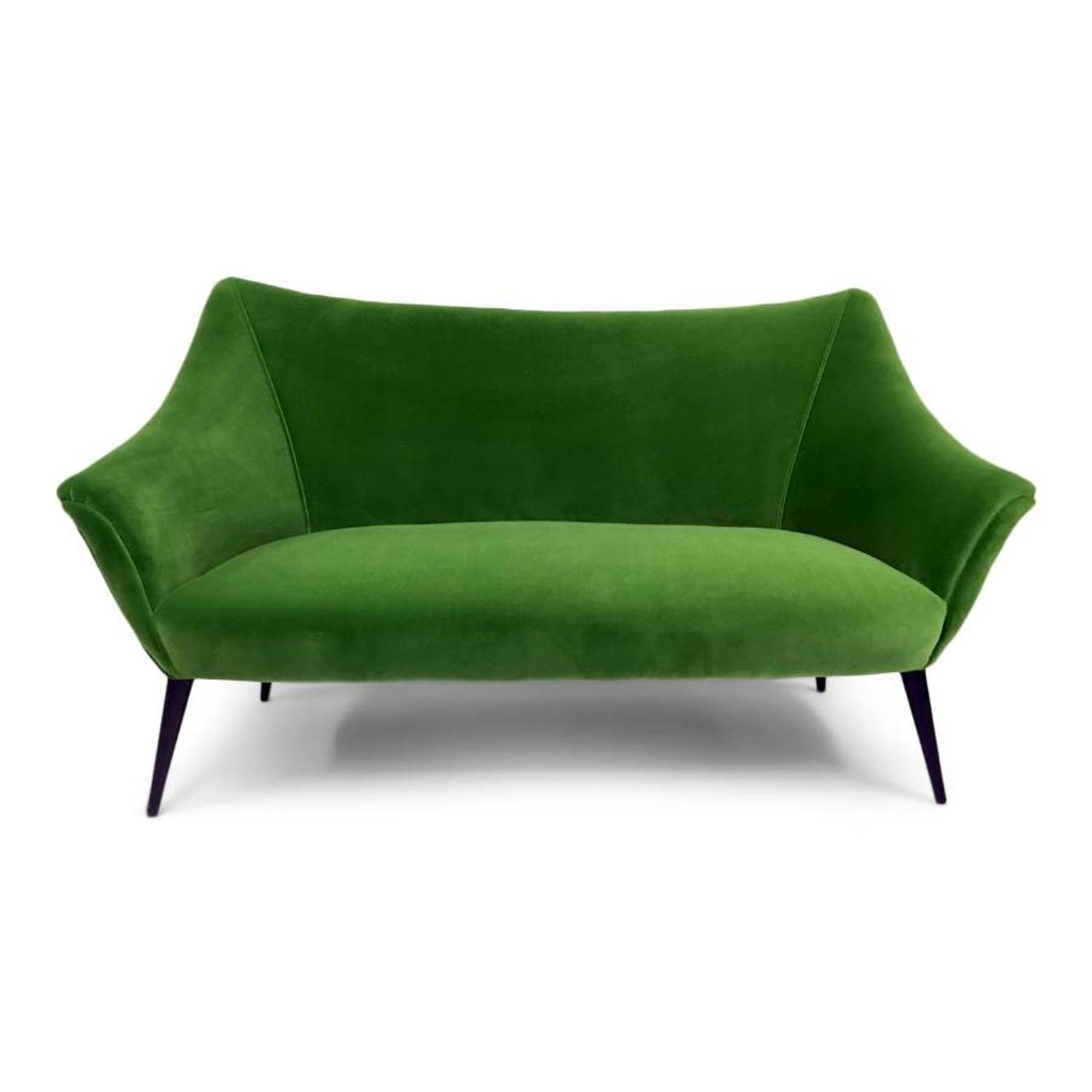 1950s Italian sofa in emerald velvet