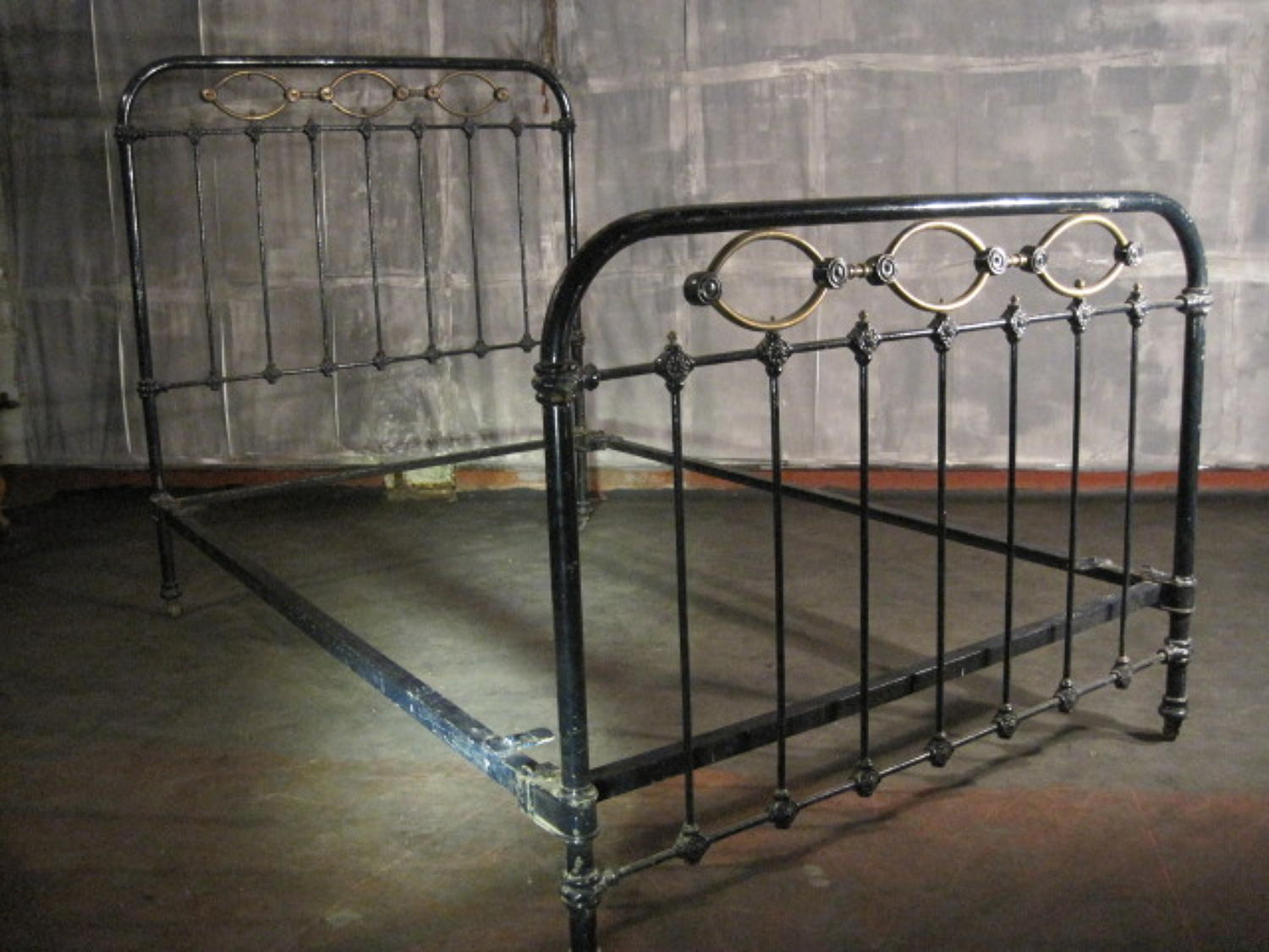 Cast iron  and brass French bed