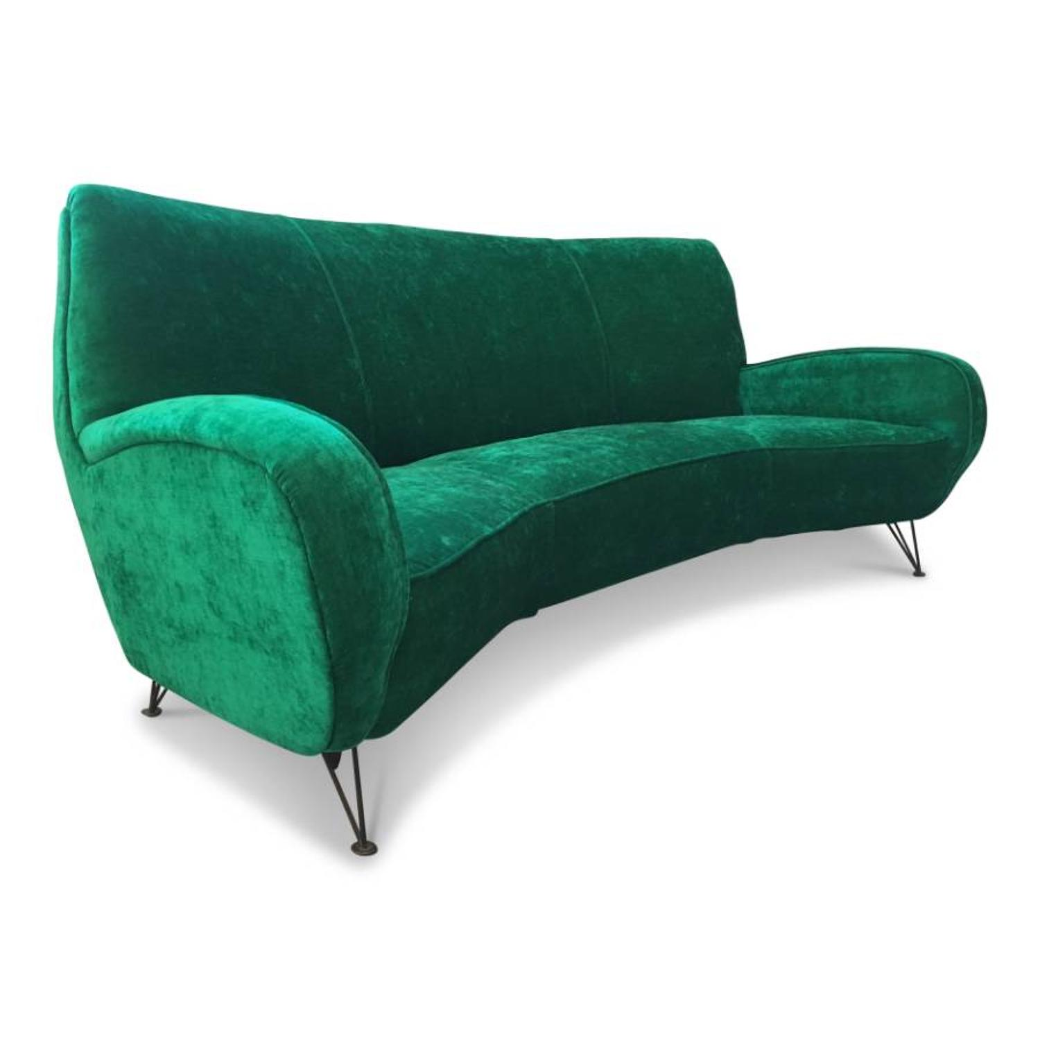 1960s Italian sofa in emerald velvet
