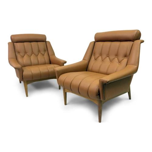 A pair of Italian 1960s leather armchairs
