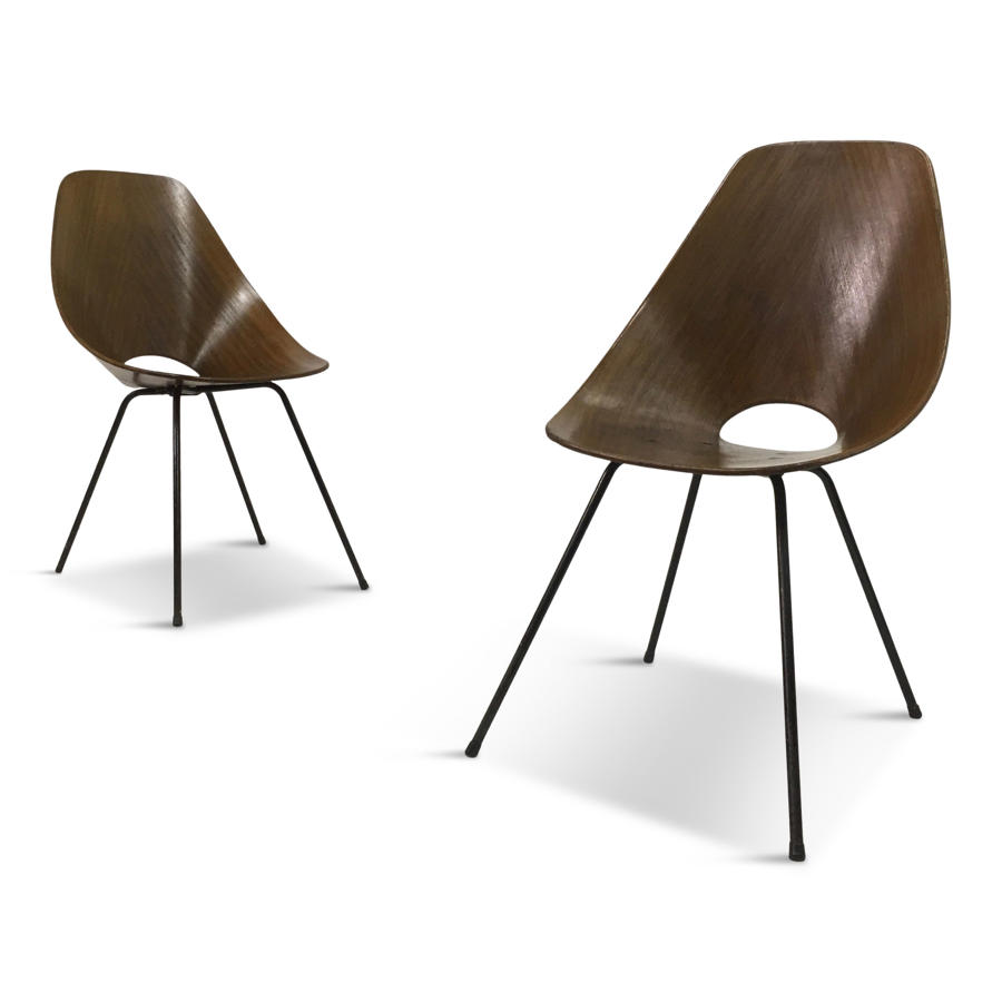 A pair of Italian bent plywood Medea chairs by Vittorio Nobili